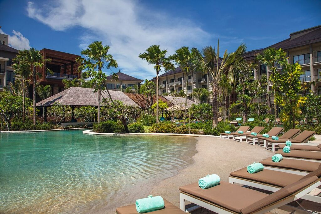 Movenpick Hotel Bali Artificial Beach Area