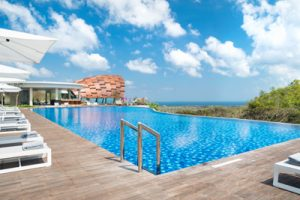 renaissance-bali-uluwatu-resort-spa-lower-pool